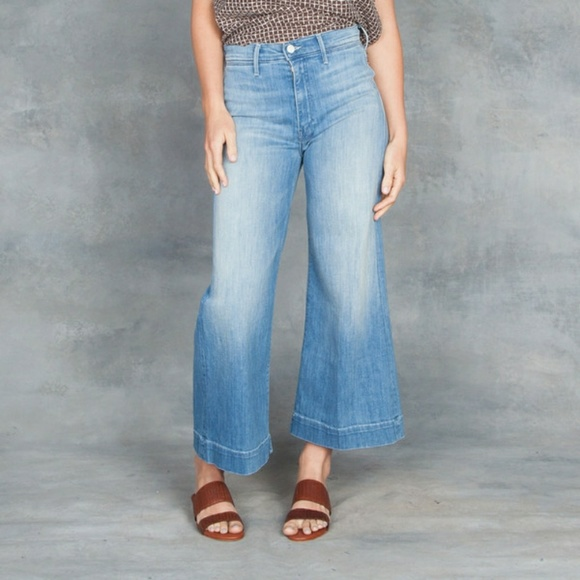 7f3cdd5478 MOTHER The Swooner Roller Cropped Jeans. M_5bac28959fe4860e032e7146